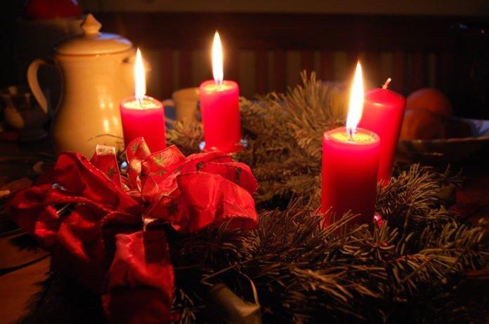 Adventskranz & Barbarazweige sorgen für vorweihnachtliche Stimmung